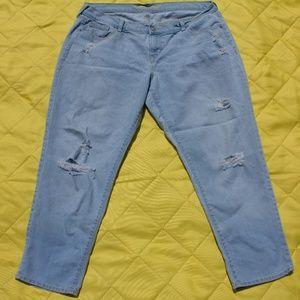 Light Wash Distressed Boyfriend Ankle Jeans